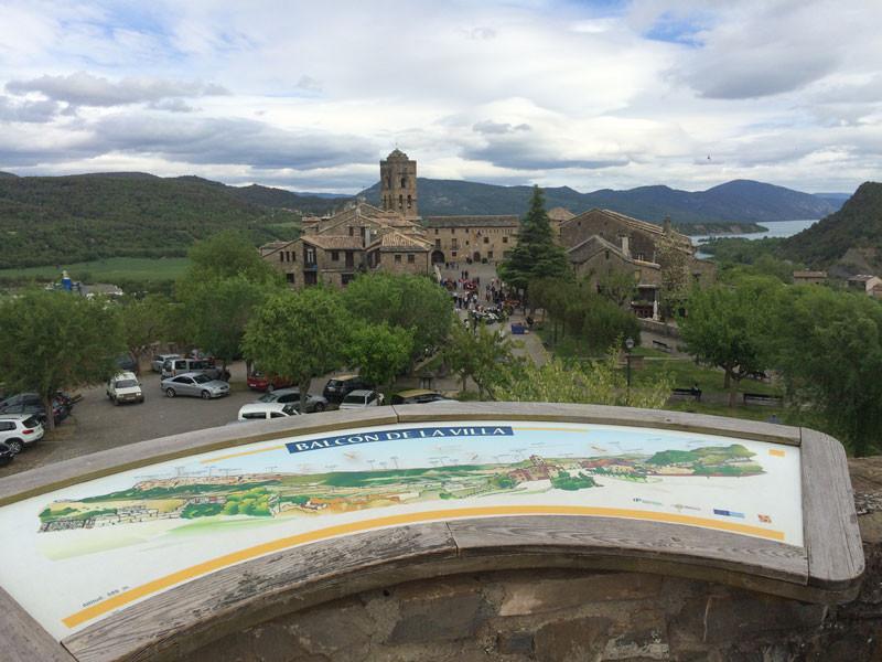 Balcón de la Villa en lo alto de la muralla del Castillo de Ainsa