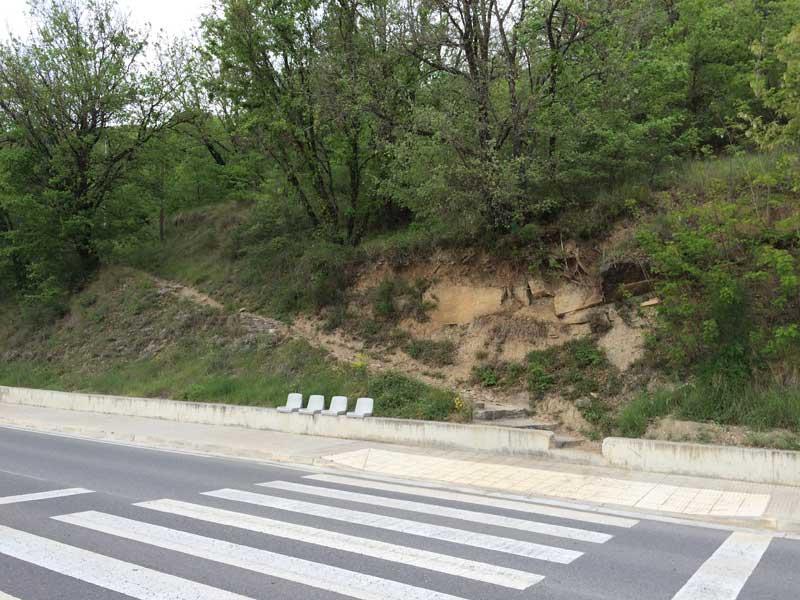 Qué ver en Ainsa - Camino para subir a la parte medieval de Ainsa