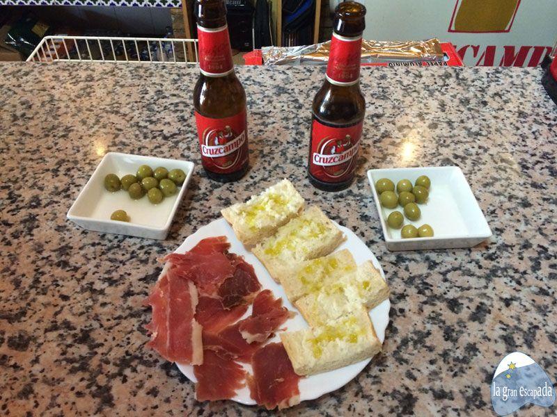 Cortijo Rural Torre Hueca - Cerves en Bar Las Marias de Pinos Puente
