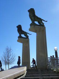 Puente de los leones. Detalle