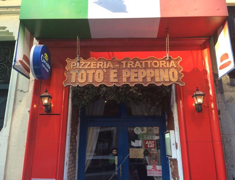 Fachada de la Pizzeria Totto e Pepino