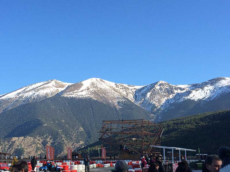 Tobotronc Andorra - Vistas de las montañas de Los Pirineos