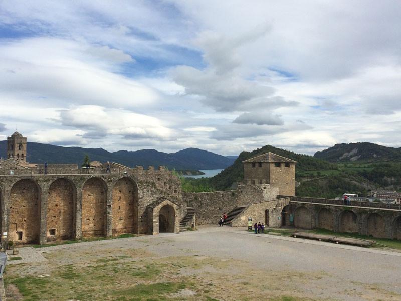 Patio de Armas del Castillo de Ainsa