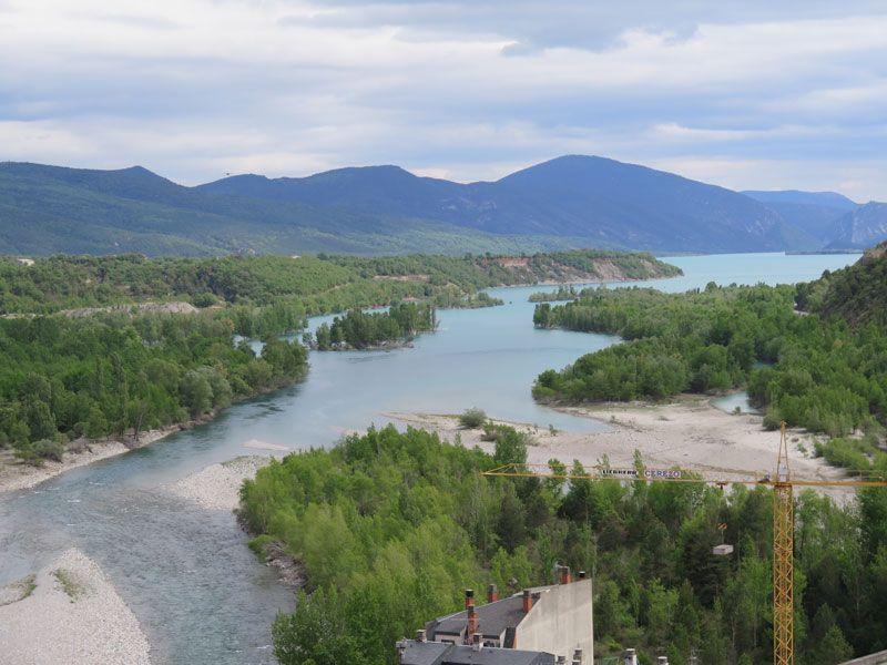 Qué ver en Ainsa - Vistas del embalse de Mediano, confluencia de los ríos Ara y Cinca