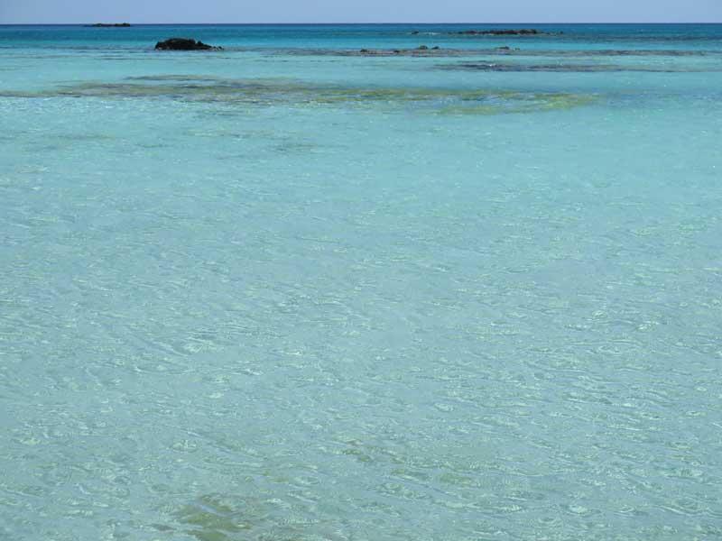 Diferentes tonos turquesas de la playa de Elafonisi