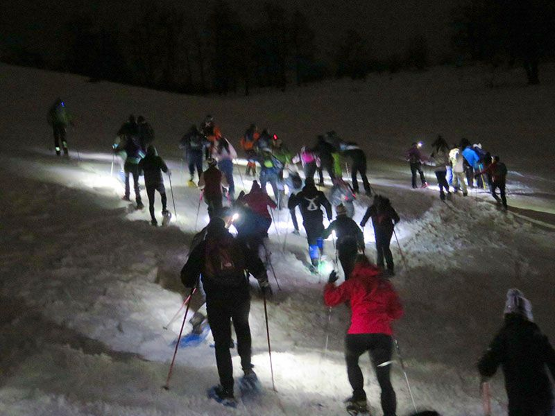 Arenas de Cabrales en invierno - Ascendiendo con las raquetas
