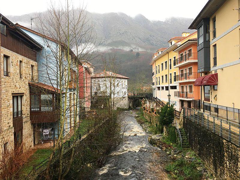 Arenas de Cabrales en invierno - Arroyo Ribeles