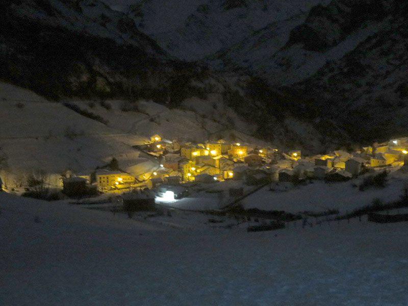 Arenas de Cabrales en invierno - Vistas de Sotres