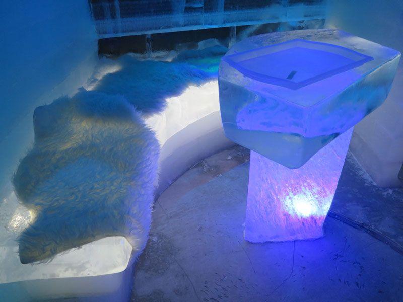 Ártico Ice Bar - Asientos con pieles
