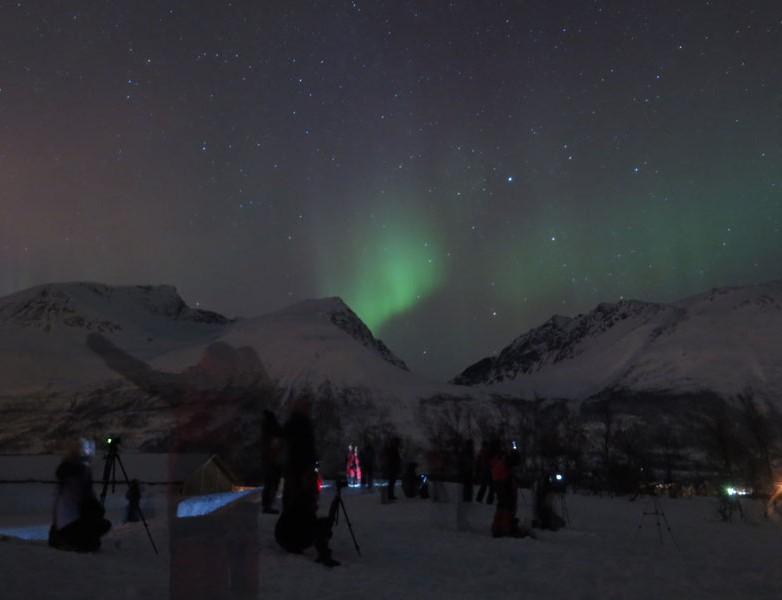 Todos con sus cámaras a la caza de la Aurora Boreal