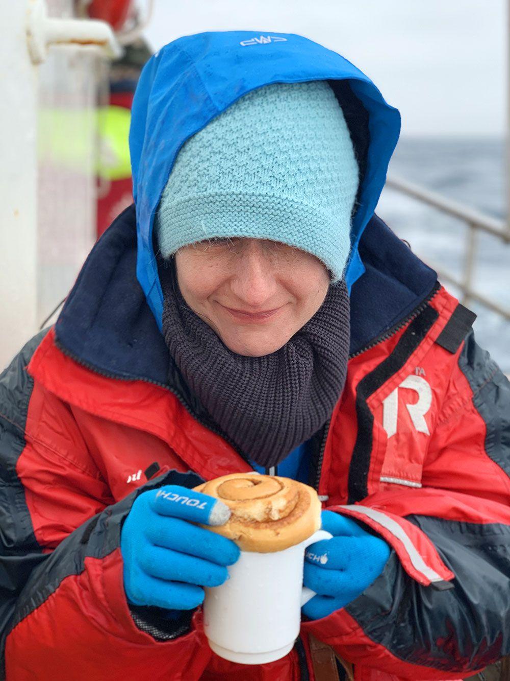 Avistamiento de ballenas en Islandia - Bollito de canela y chocolate