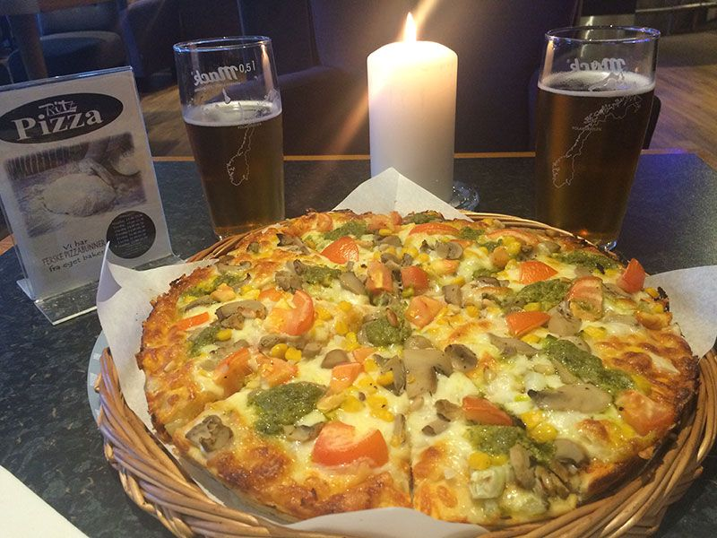 Bares en Kirkenes - Pizza y cervezas Mack