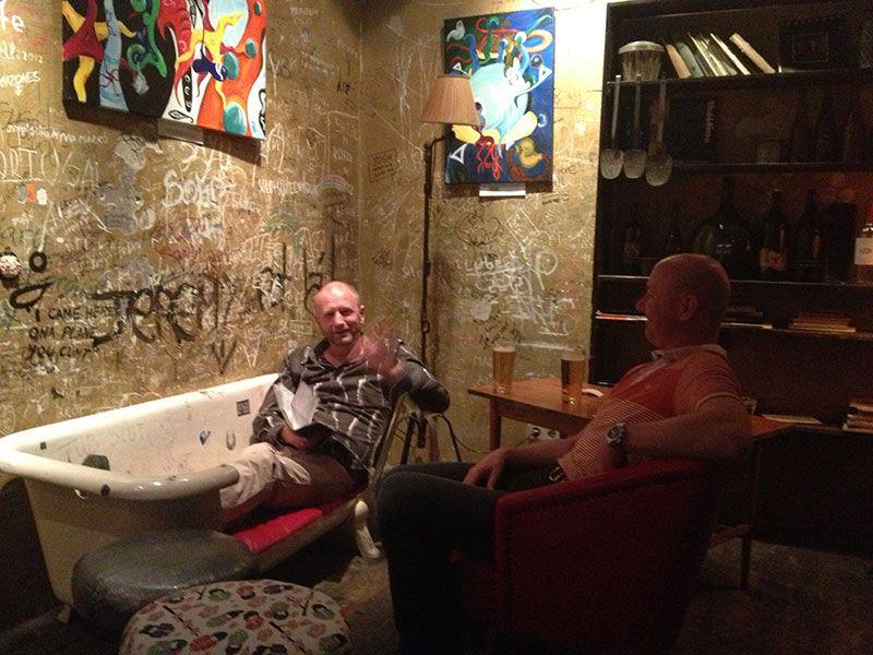 Rincones secretos de Budapest - Szimpla, famoso bar en ruinas de Budapest