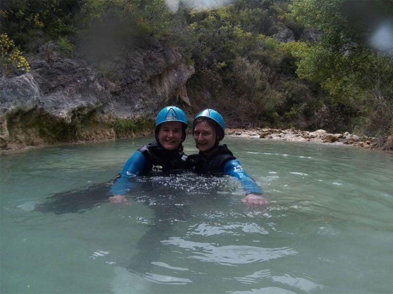 Barranquismo en Huesca - Sierra de Guara - Mar y Eli en el río Vero