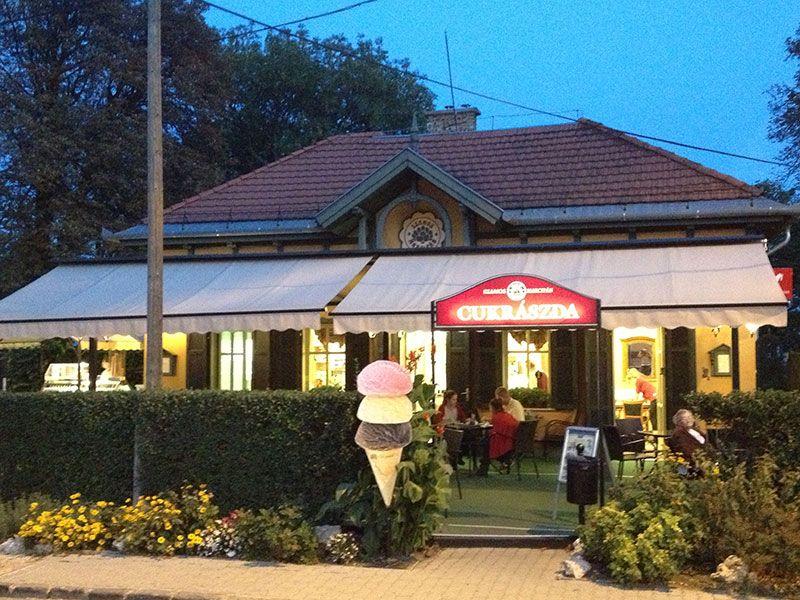 Cafetería Cukkraszda donde podrás disfrutar de dulces Szamos