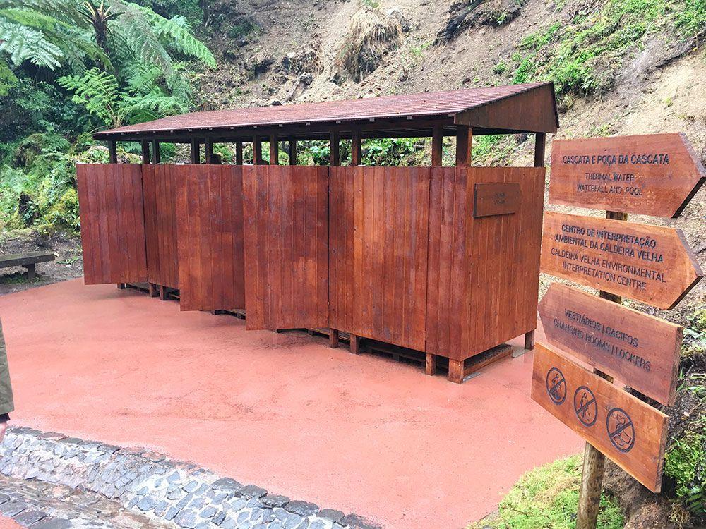 Caldeira Velha - São Miguel - Islas Azores - Vestuarios