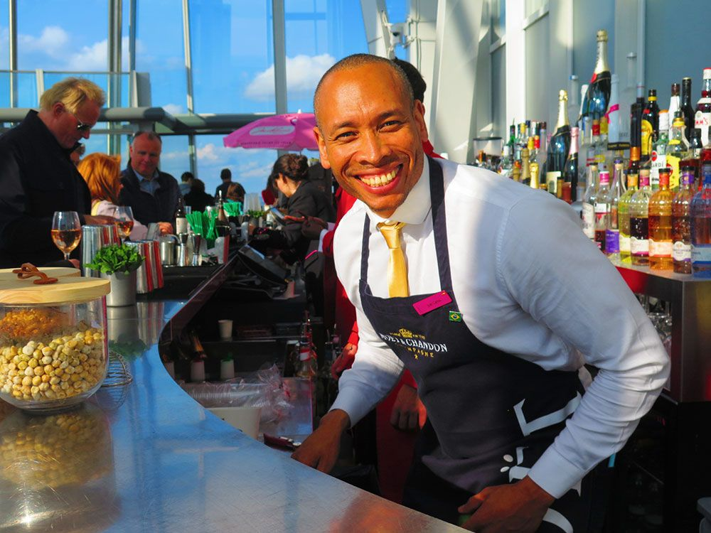 Juan Carlos, camarero en The Shard