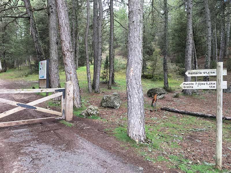 Cañón del Río Lobos - Señal de distancia a la ermita