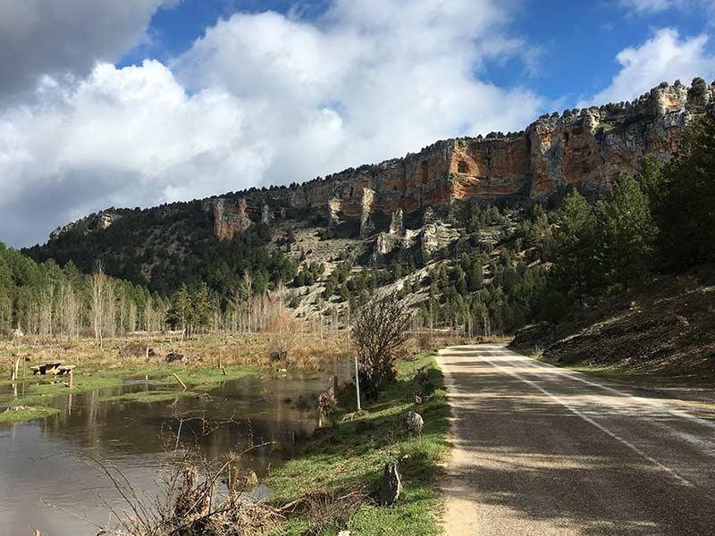 Cañón del Río Lobos - Tramo asfaltado de la Senda del Río