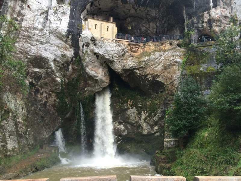 Capilla de la Santa Cueva de Covadonga