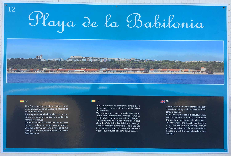 Cartel informativo de la Playa de la Babilonia
