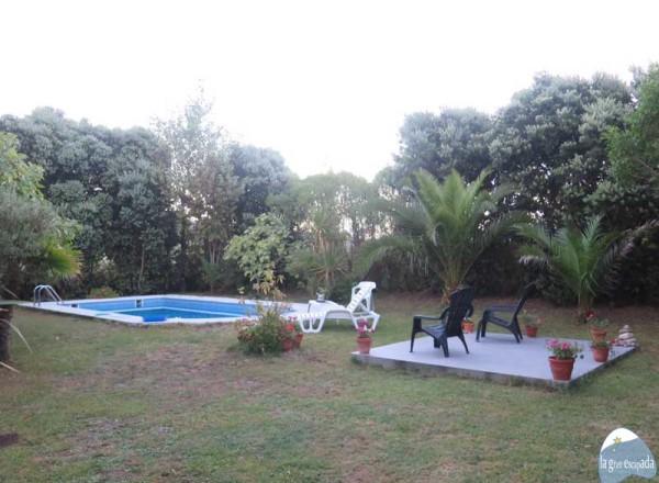 Agradable piscinita en el jardín