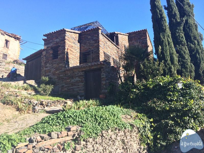 Casa bien grande en la parte alta del pueblo