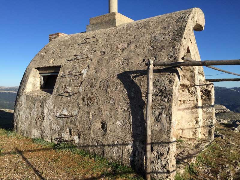 Caseta de vigilancia de Jaén en la Piedra del Cambrón
