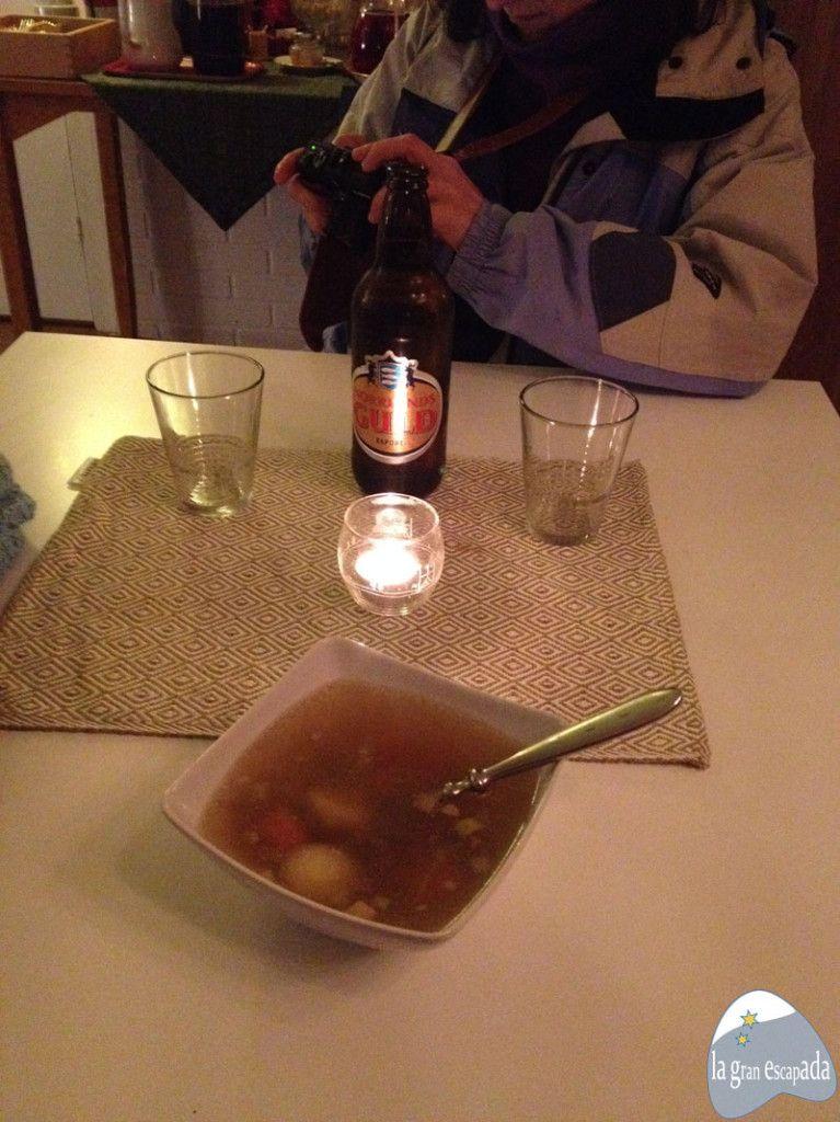 Cervecita y sopa de alce bien calentita después de ver el mercado de invierno de Jokkmokk