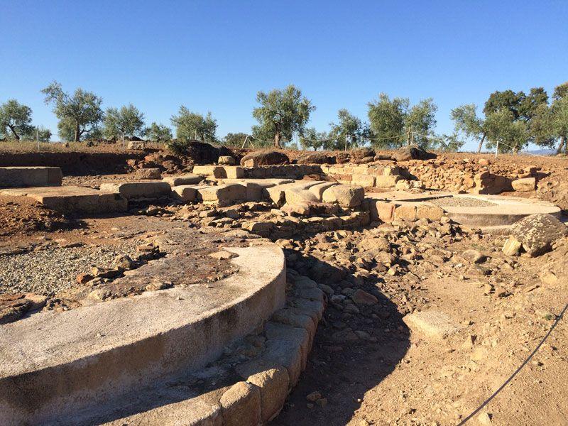 Ciudad romana Cáparra - Cáceres - Ruinas puerta sureste