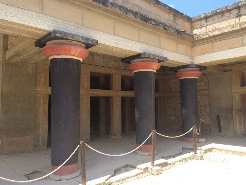 Columnas de la estancia del Rey Minos - Palacio de Knossos