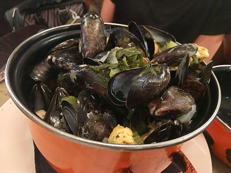 Comer en Flandes - Gante - Bridge Brasserie - Mejillones al vino