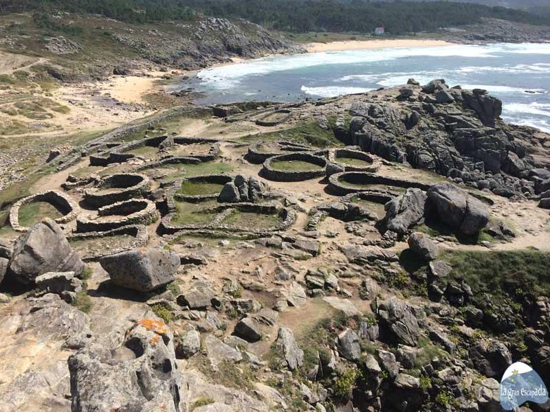 Qué ver y hacer en Corrubedo - Ribeira - Castro de Baroña