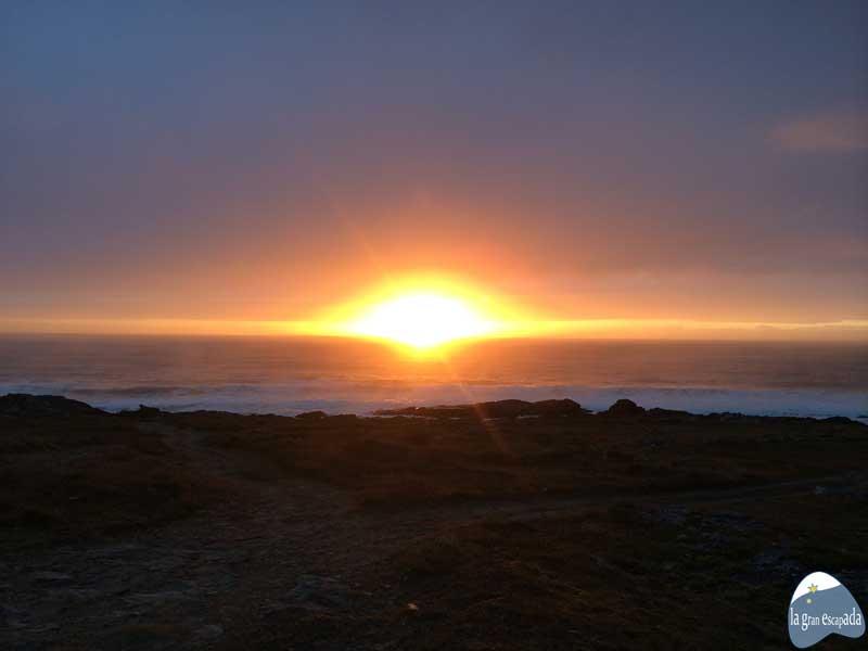 Corrubedo - Ribeira - Puesta de sol en el horizonte
