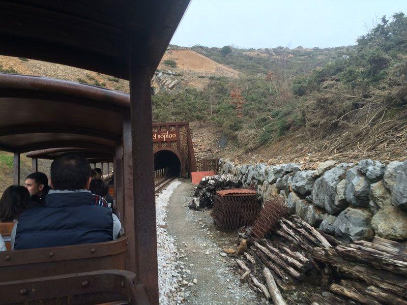 cueva-el-soplao-cantabria-acceso-en-tren