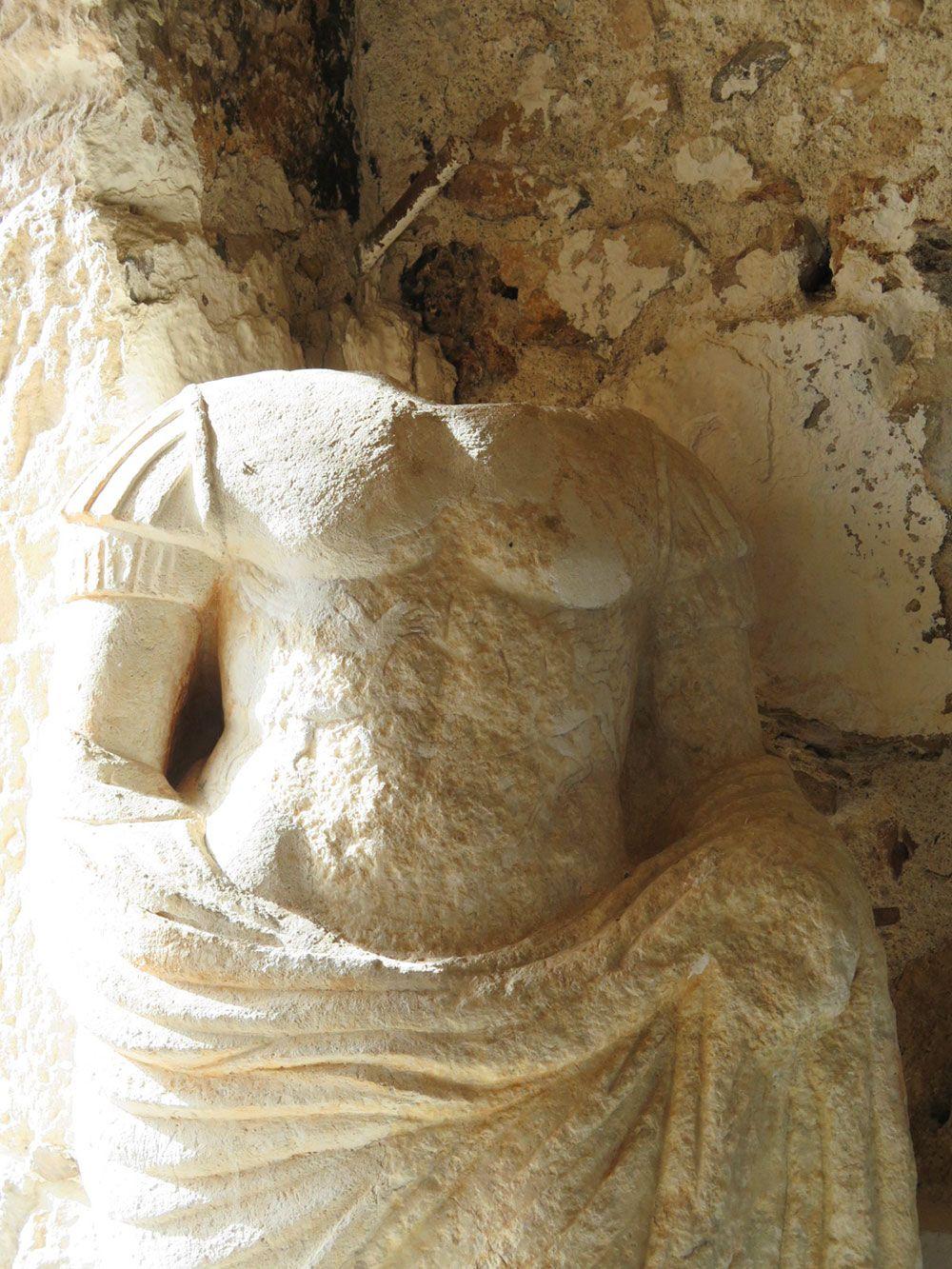 Curiosidades de Consuegra - Busto de Augusto