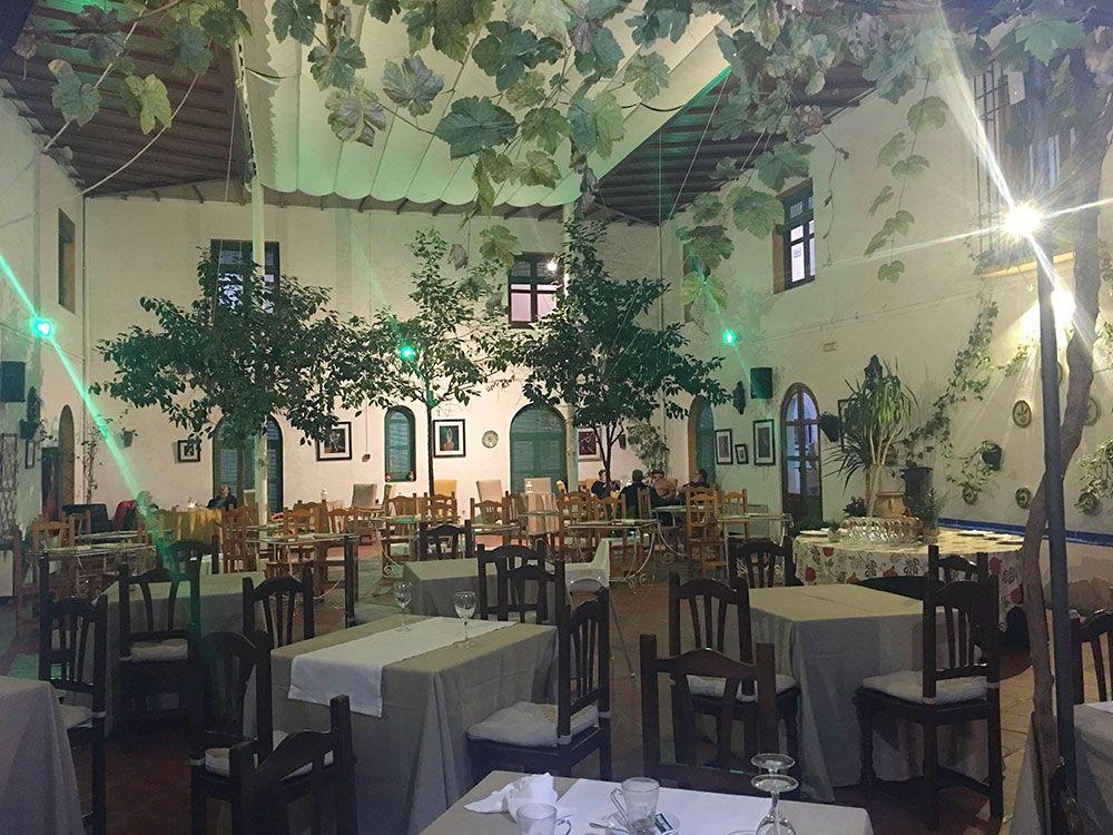 ¿Dónde comer en Iznájar? Restaurante Caserío de Iznájar
