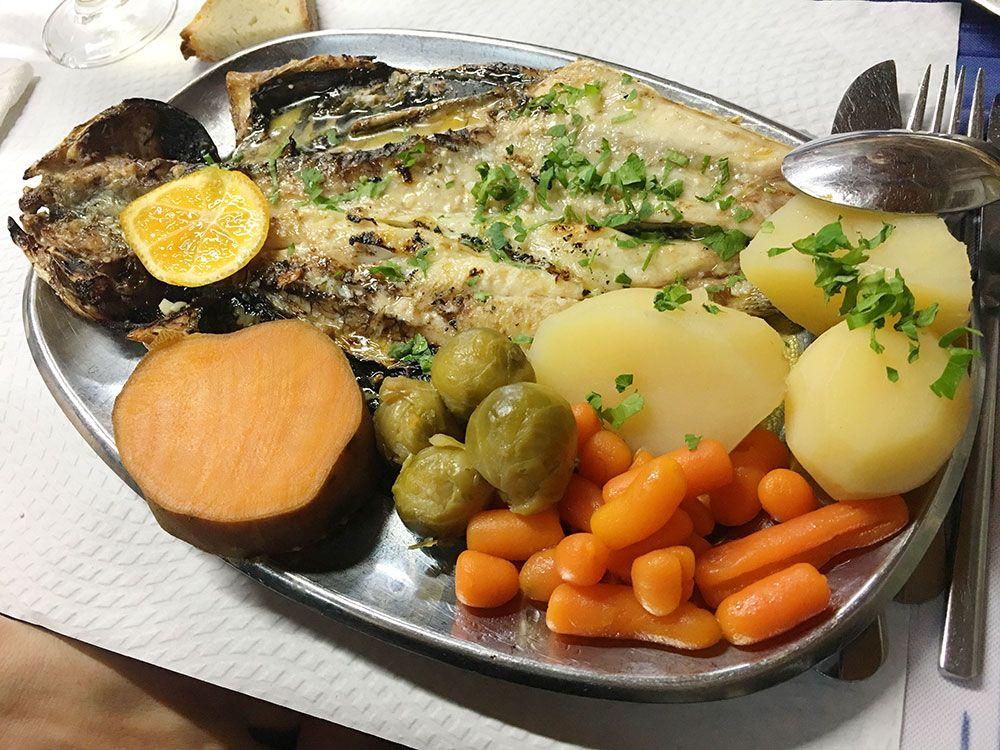 Destinos baratos en invierno - Azores - Lagoa - Restaurante Borda d'Agua - Garoupa