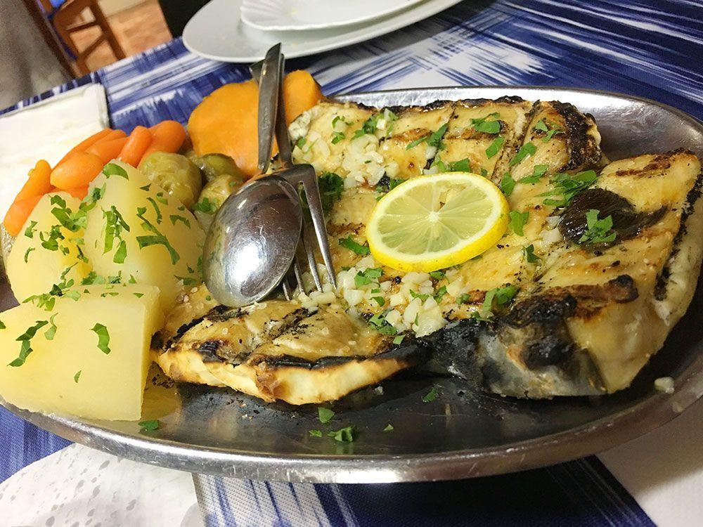 Dónde comer en São Miguel - Azores - Lagoa - Restaurante Borda d'Agua - Tiburón