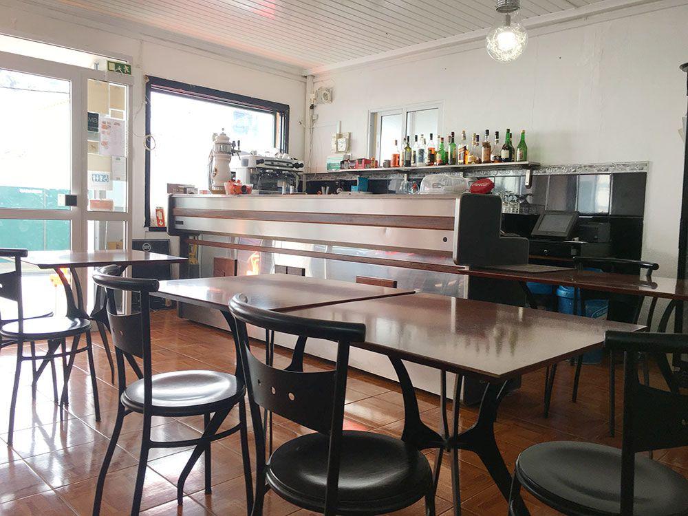 Dónde comer en São Miguel - Azores - Mosteiros - Restaurante O Americo de Barbosa - Mesas