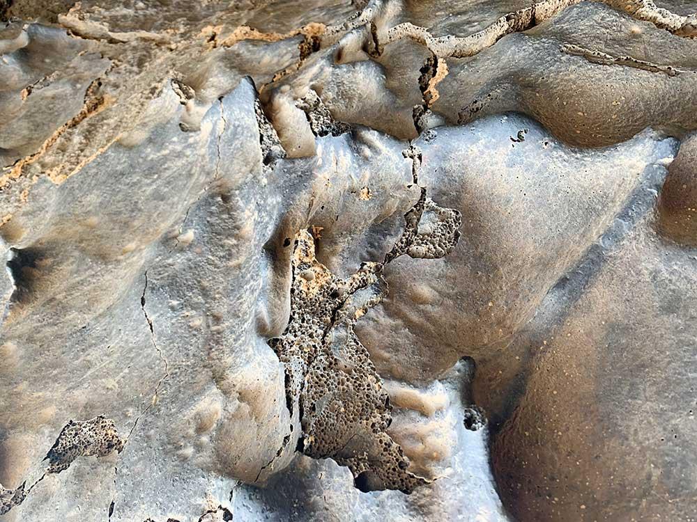 Detalle de los techos de la Cueva de Orchilla