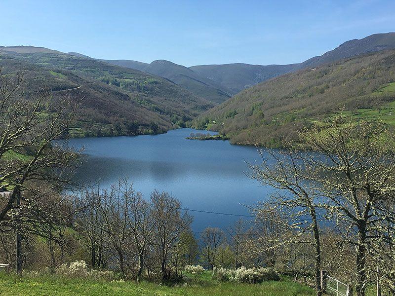 Embalse de Chandrexa de Queixa - Trives - Ourense - Galicia - Vistas del valle