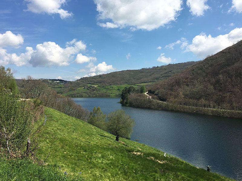 Embalse de Chandrexa de Queixa - Trives - Ourense - Galicia - Zona más estrecha