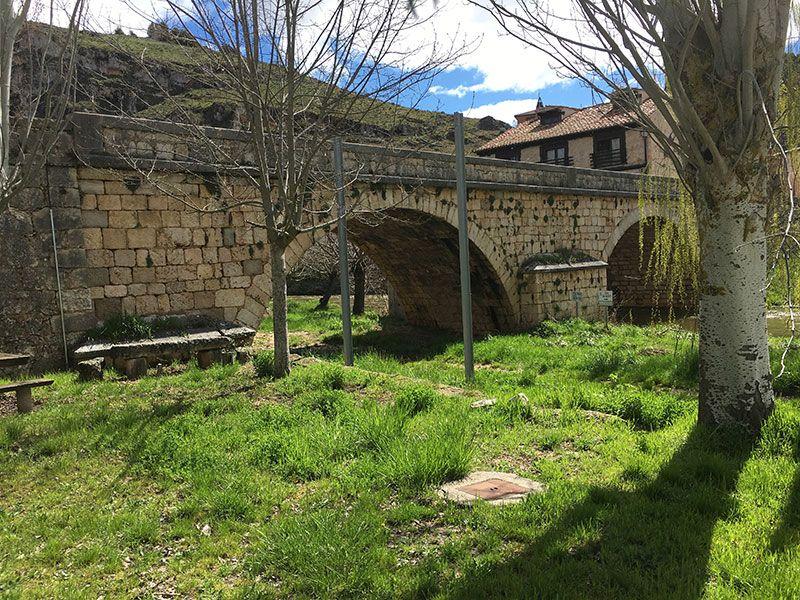 Entorno del Cañón del Río Lobos - Puente medieval de Ucero