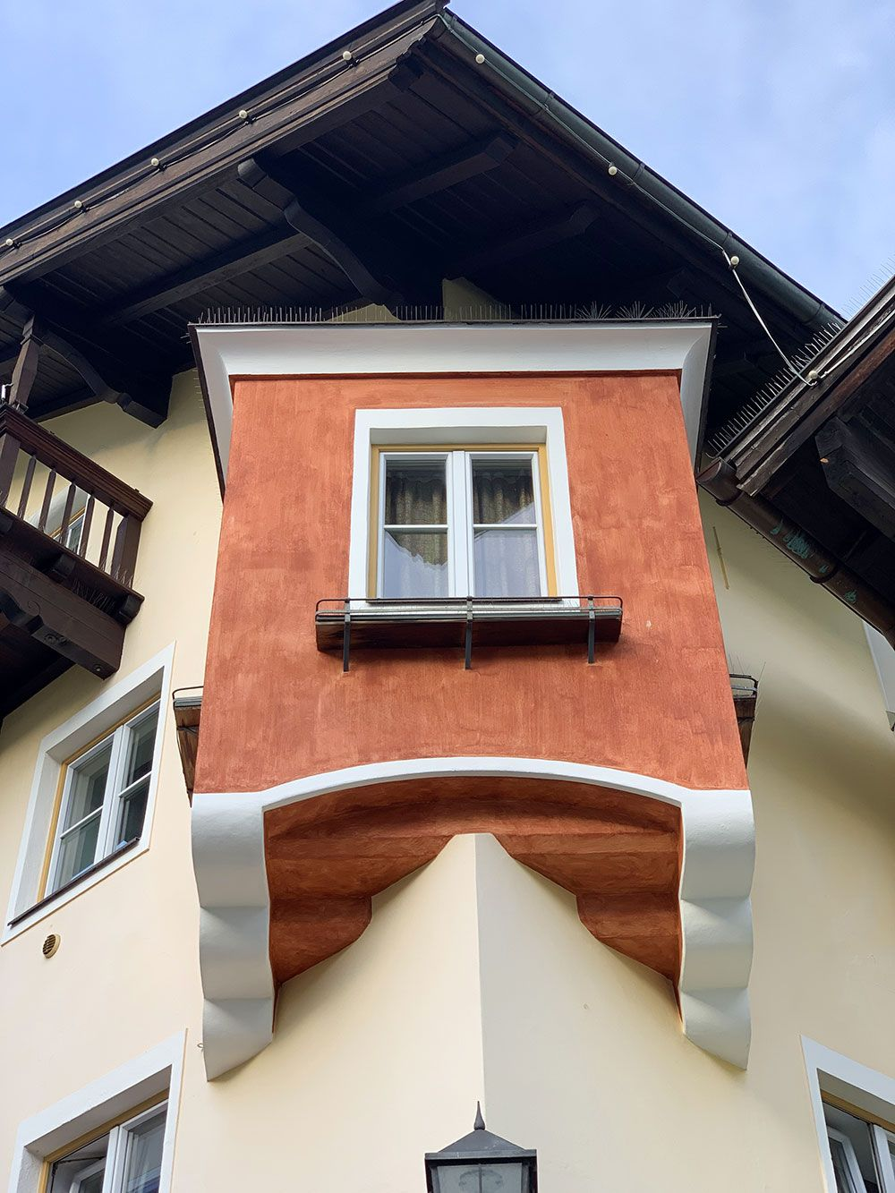 Ventana saliente en Kitzbühel
