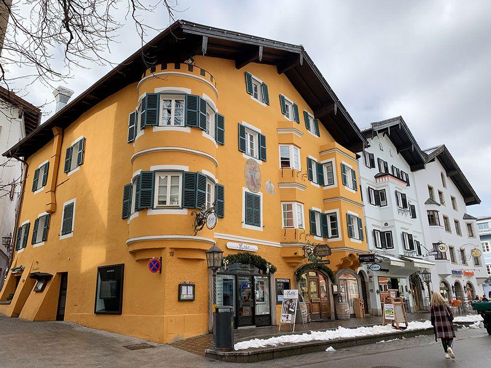 Fachada en Kitzbühel