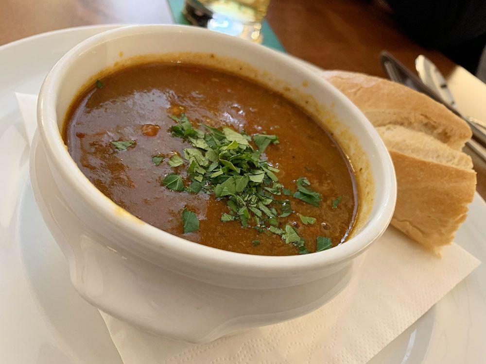 Sopa goulash del restaurante Gams-Rosshimmel
