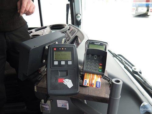 Pago dentro del bus con tarjeta de crédito