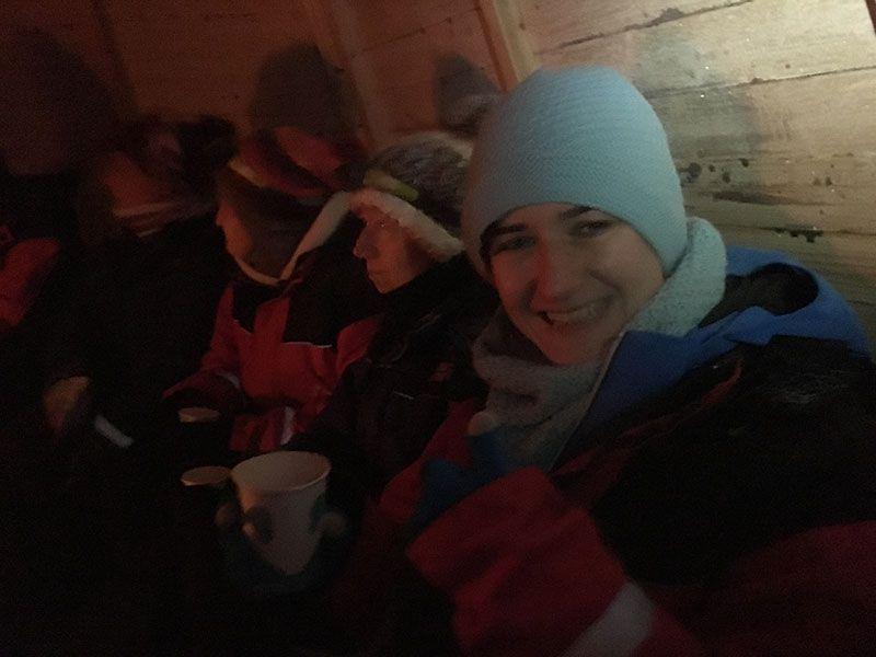 Excursión de raquetas de nieve en Rovaniemi - Zumito caliente