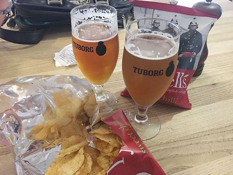 Experiencias y sensaciones en Copenhague - Cada entrada incluye dos cervecitas